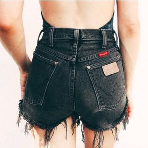 Vintage Wrangler Black High Rise Shorts
